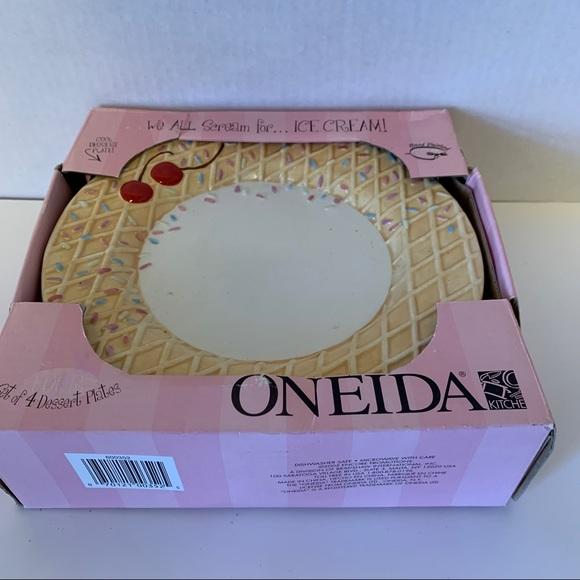 NEW! ONEIDA ICE CREAM DESSERT PLATES